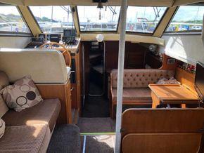 Birchwood Motor Yachts President 37 With Flybridge - Looking Forward