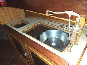 Bronze manual pump