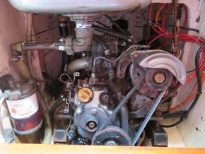 Twister 28  - Engine