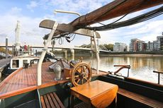 2 Bed Houseboat in Chelsea SW3