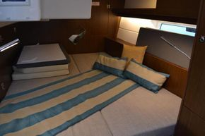 Double cabins aft