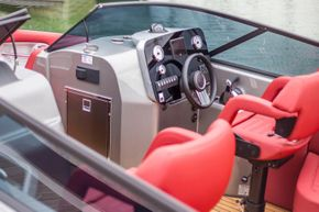 Helm seat E26
