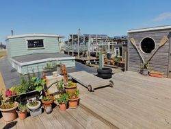 Freehold Mooring Investment Opportunity with Houseboat