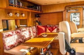 Pilothouse Table/Convertible Berth