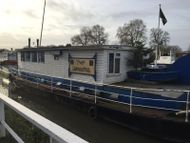75ft Converted Thames Lighter