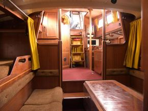 Wooden  Custom Wood-epoxy classic cruising sailboat - Saloon