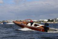Poncelet classic wooden speedboat 5m