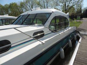Nicols Estivale Octo Canal and river cruiser - Coachroof/Wheelhouse