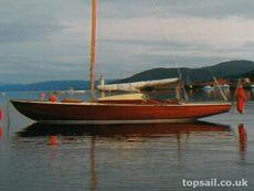 1950s Wooden Daysailer Sloop & Trailer - topsail.co.uk
