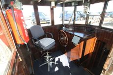 pleasant and well maintained (blasted) living / recreational vessel