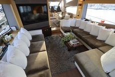 2017 Sunseeker Yacht