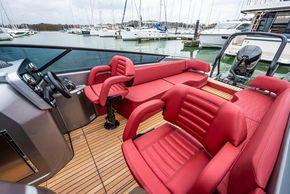 Helm & Co pilot seats E26