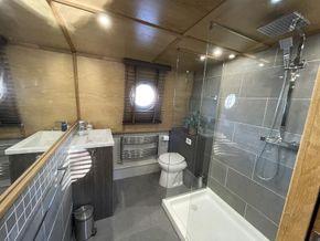Hotel quality bathroom