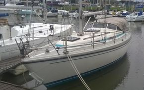 LM Mermaid 315 - Afloat