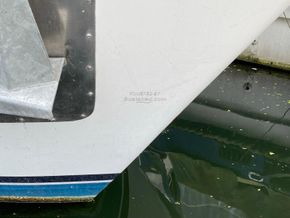 Stevens 1040 with London mooring - Bow