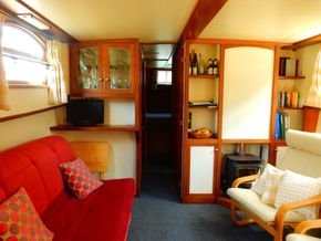 Galley/Saloon