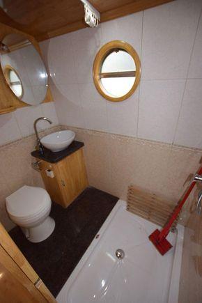 Loo / Shower room