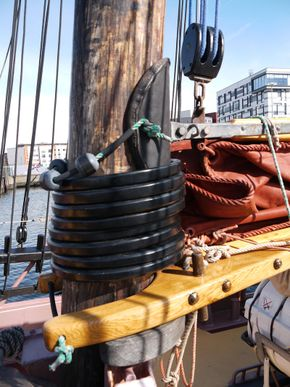 Mast, hoops, jaws etc
