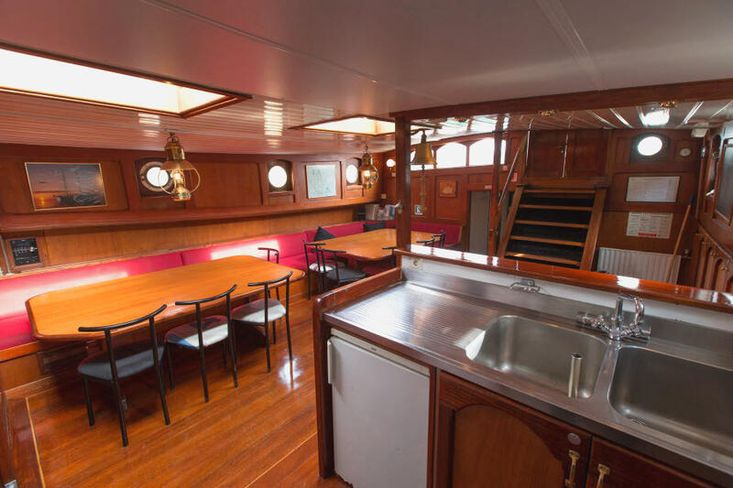 excellent sailor, complete and certified barge