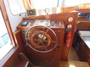 Dutch Steel Cruiser Canal and river cruiser - Helm