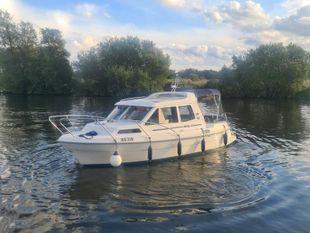 Bella Boats 703