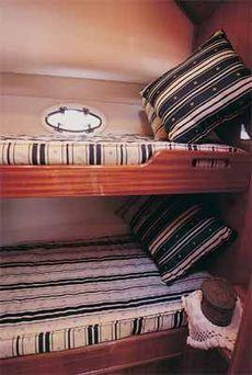 Viki 32 Sedan Guest Cabin in Double Cabin version