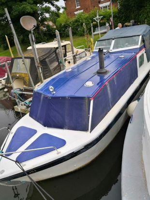 27ft Classic Ensign aft cockpit river cruiser
