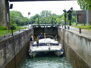 Plenty of room for a cat in the French canals