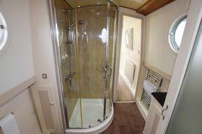 Bathroom (forward)