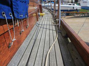 Wallace Clark Gentlemans Motor Yacht  - Side Deck
