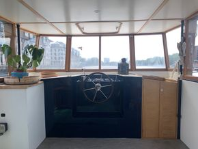Interior boat wheelhouse
