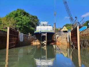 Dry dock & slipways upto 75M - South UK