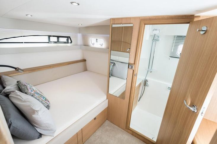 2021 Haines 320 Aft Cabin