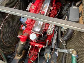Stevens 1040 with London mooring - Engine
