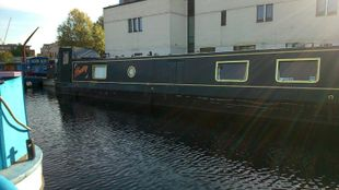 50ft cruiser stern for sale with serviced residential moorings Manches