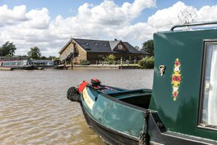 60ft Narrowboat Moorings at Tattenhall Marina