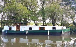 Widebeam Barge liveaboard 'Maharani'