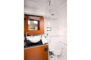 Jeanneau Leader 36 diesel sports cruiser - toilet compartment