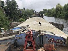 Sheffield size unconverted barge