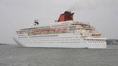 682' 1,900 PAX Luxury Cruise Ship