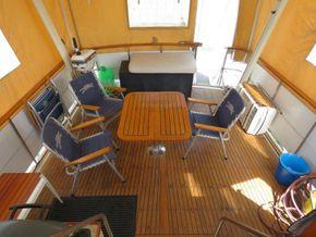 Golden Star trader Sun deck 40 Live aboard Trawler - Deck