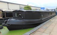 Impressive contemporary widebeam 65ft x 12ft 6in