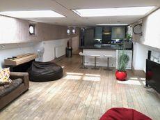Spacious and Modern 26m Dutch Barge Anna