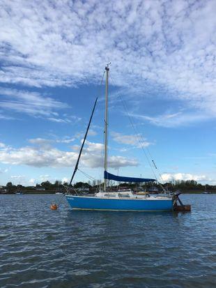 Jaguar 22 lifting keel 4 berth sailer trailer