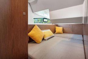 Jeanneau Merry Fisher 1095 Flybridge - 2nd cabin
