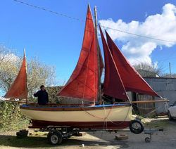 SOLD - 18ft. MEVAGISSEY TOSHER LUG RIGGED DAY BOAT