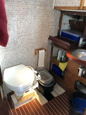 Toilet Aft