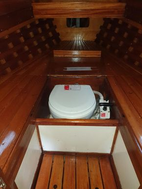July 2021 Fore cabin with head