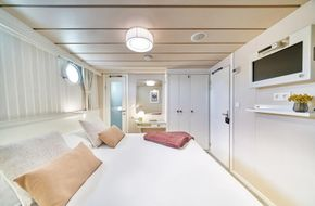 INT CABIN2 / New just taken and received 11/6/2020