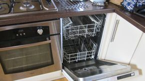 Cooker and dishwasher